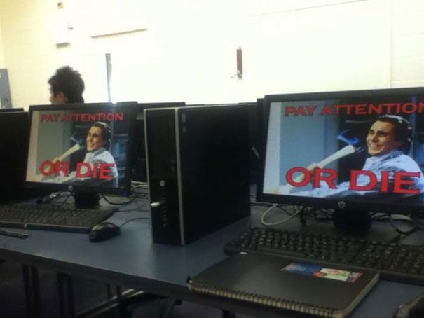 maestro de computo con tecnica para que le pongan atención