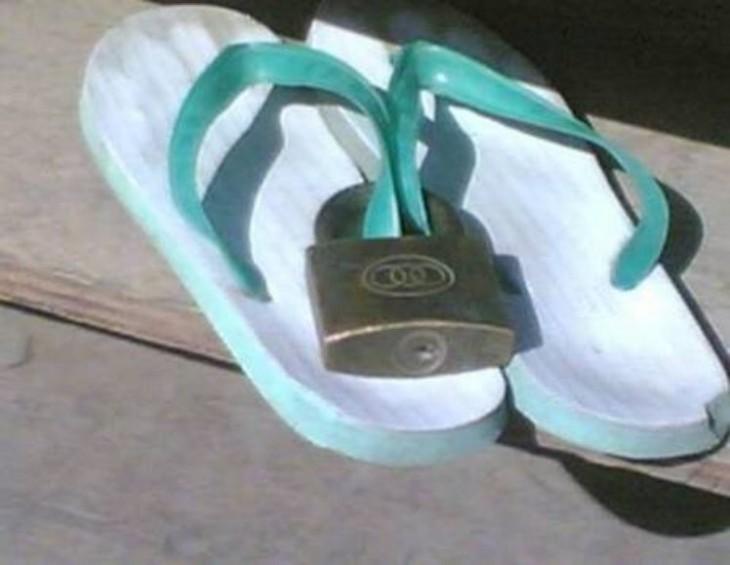 sandalias con candados