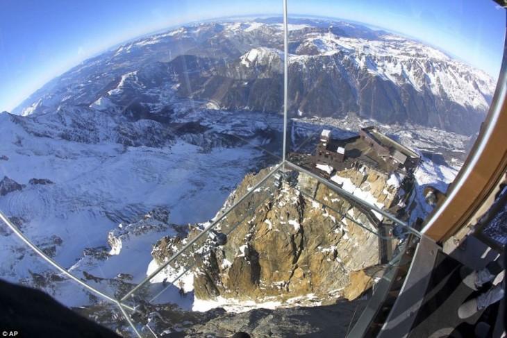 paso en el vacío ubicado en la montaña Blanc Box