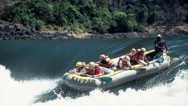 Rafting extremo en el río Zambeze