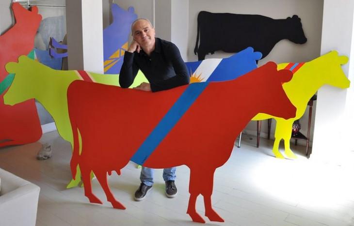 Alejandro Raineri con su arte