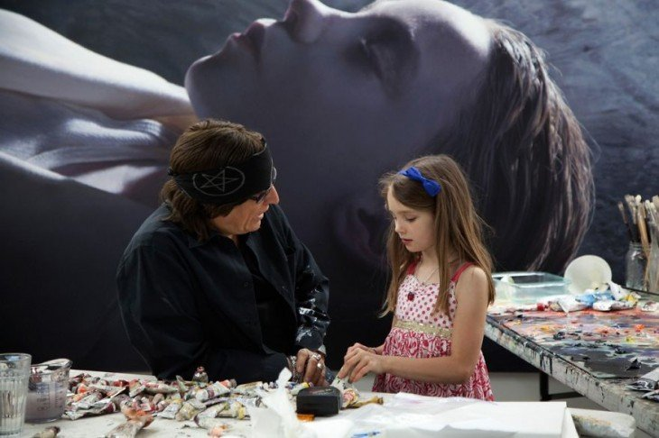 Gottfried Helnwein con una niña