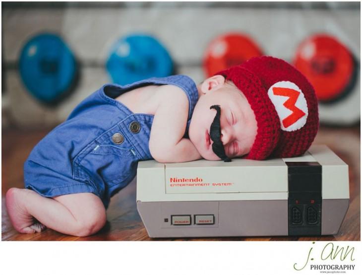 bebé disfrazado super mario brother