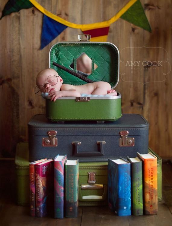 bebé durmeidno en libros