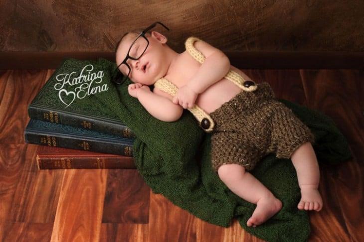 bebé disfrazado  de hobbit