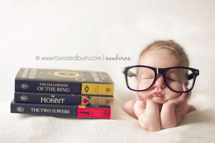 bebé leyendo el senor de los anillos