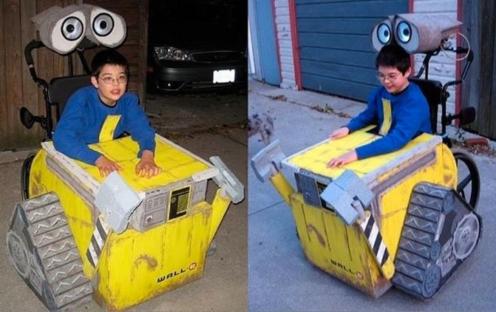 Niño en su silla disfrazado de Wall-e