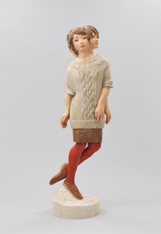 Escultura de una chica doble