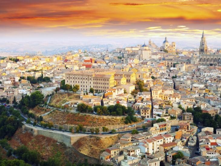 Toledo en España por la mañana