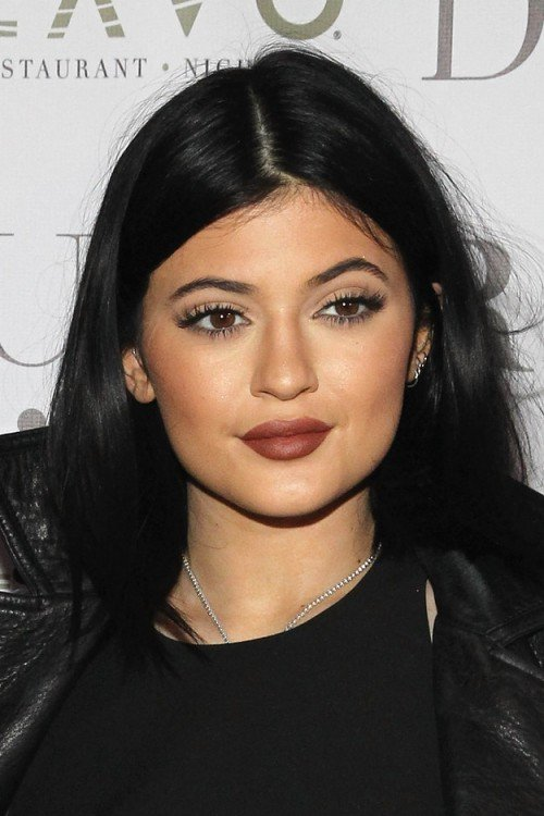 Kylie Jenner con cejas