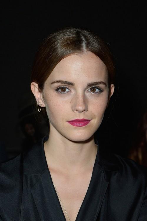 Emma Watson con cejas