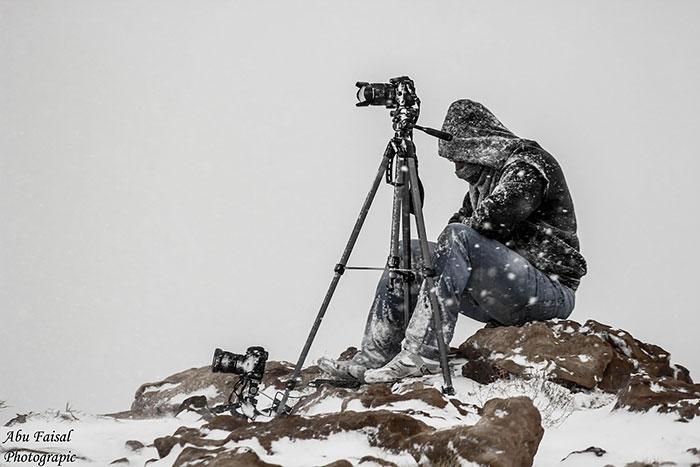 Fotógrafo en un clima muy frío