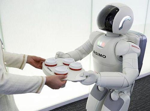 Robot cargando algo