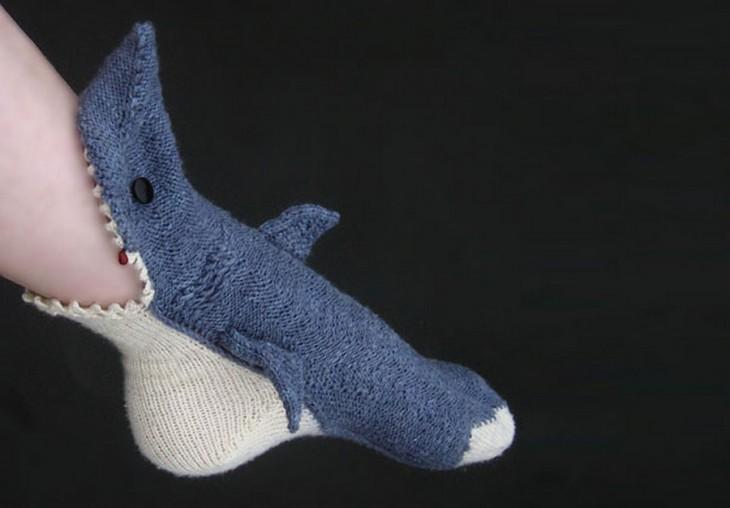 Calcetín con diseño de tiburón