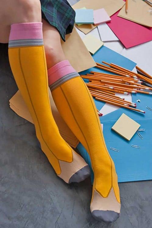 Calcetines con diseño en forma de lápiz