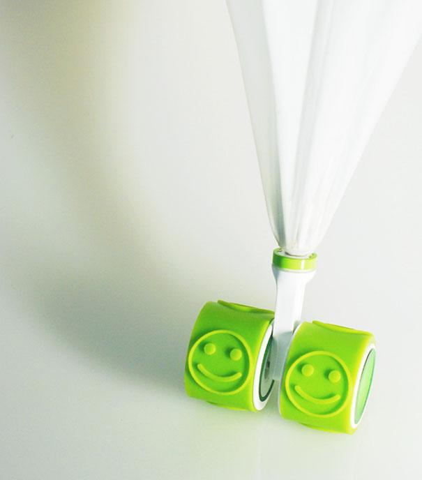 Paraguas con ruedas y sello