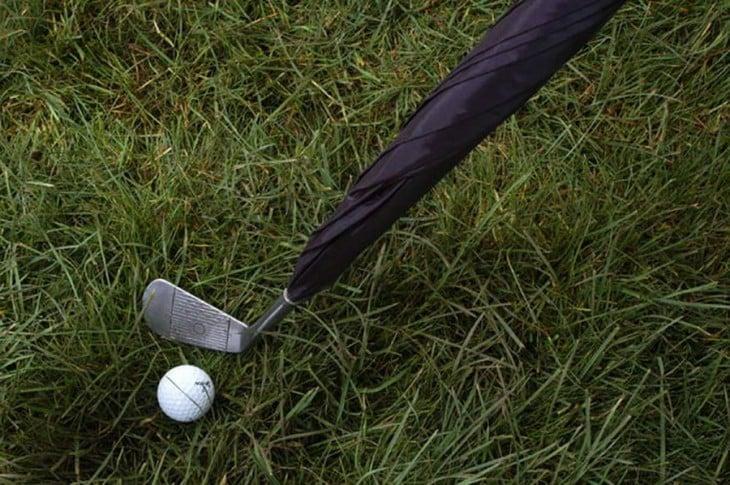 Paraguas con diseño de palo de golf