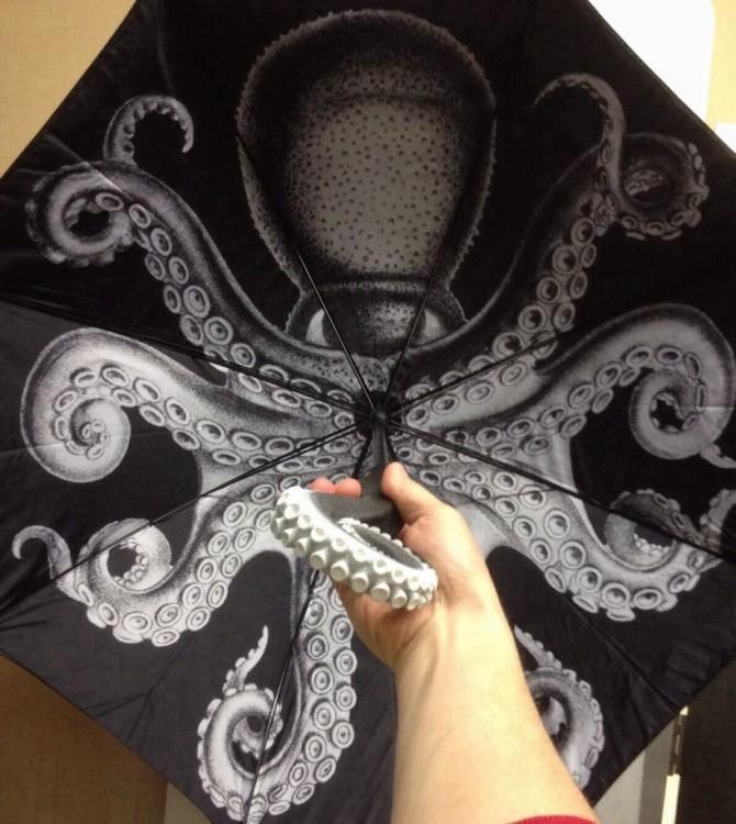 Paraguas con el diseño de un pulpo