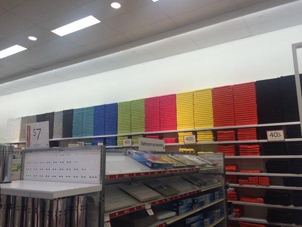 Toallas ordenadas por color