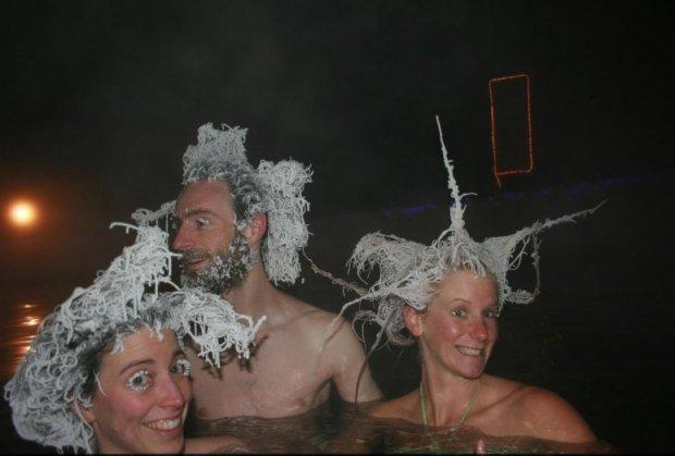 chicas y chico con cabello congelado, Takhini Canadá
