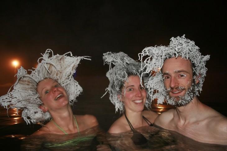 amigos con cabello congelado, Takhini Canadá
