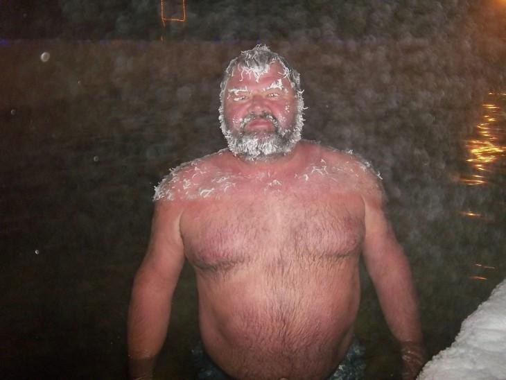 hombre con cabello congelado, Takhini Canadá