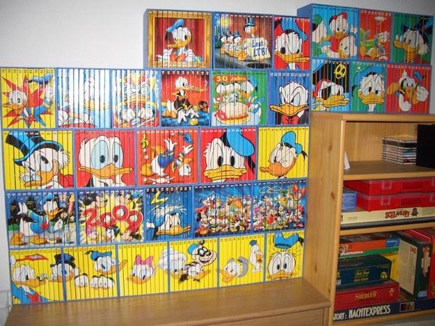 coleccion de libros de disney acomodados perfectamente