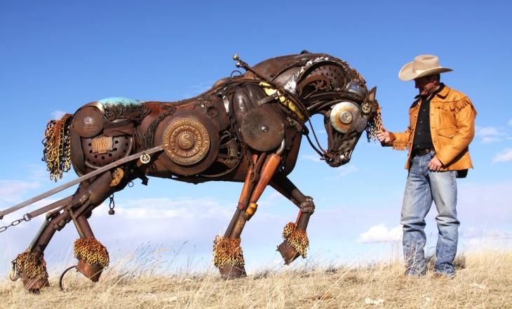 estructura de un caballo sobre el pasto