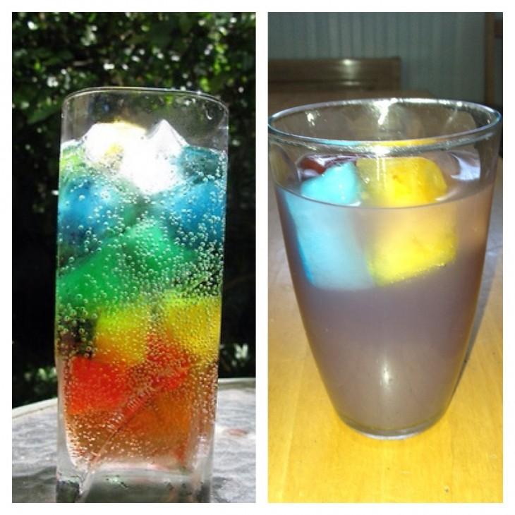 vaso con hielos de colores
