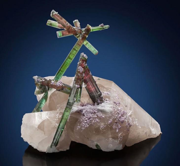 piedra preciosa cuarzo con lepidolita