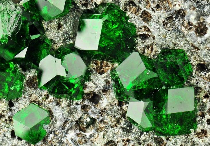 piedras preciosas  uvarovita