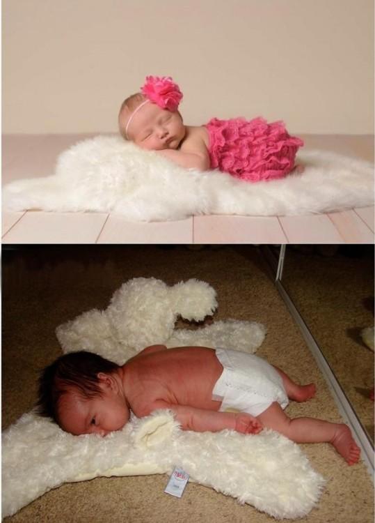 bebes recostados sobre una alfombra