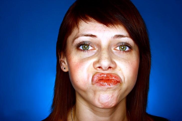 mujer con cara de nefasta