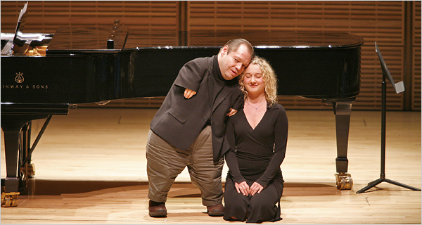 Thomas Quasthoff con cantante alemana