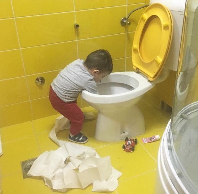 niño tapa tasa del baño con patitp de hule