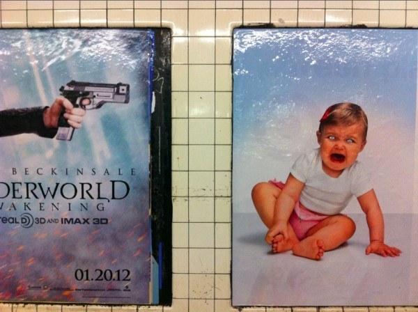 publicidad simula que le esta disparando a bebé