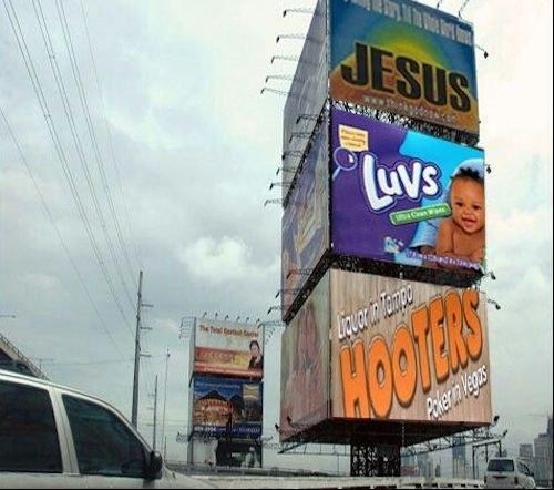 anuncios que forma la frase Jesus ama a hooters
