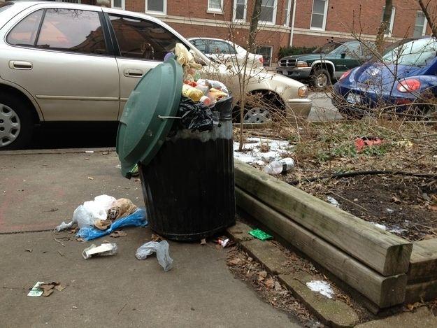 depósito de basura al full