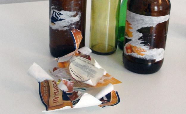 etiqueta eliinada de la botella de cerveza