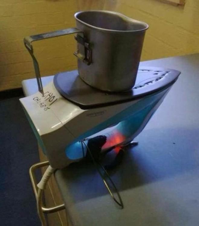 plancha utilizada como estufa para hervir liquidos