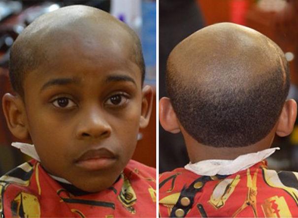 padre castiga al hijo por burlarse de su calvicie y le corta el cabello igual que el