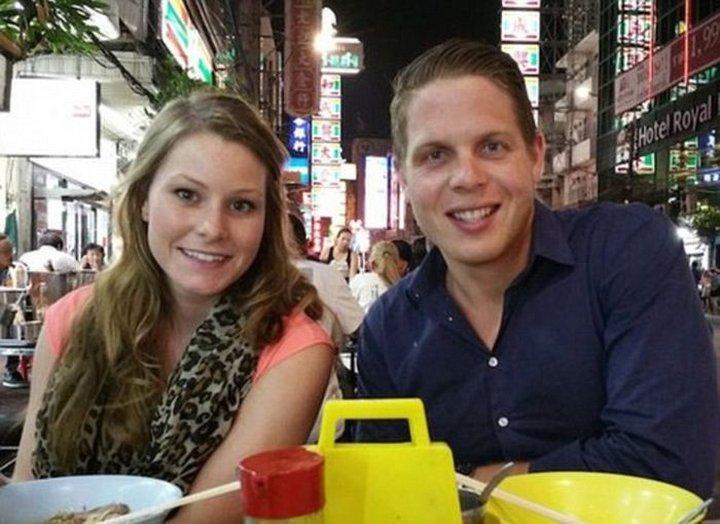 Jordan Axani y Elizabeth Gallaher como hermanos