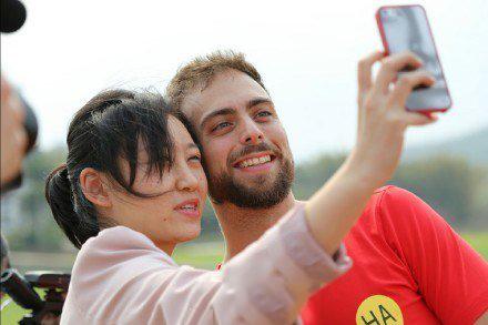Selfie de una chica con Matt Stopera