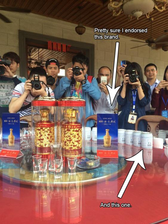 Productos chinos detrás de camarógrafos