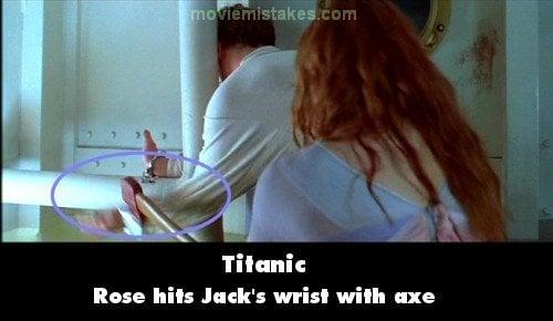 Escena donde Rose le da un hachazo en el brazo a Jack en la película Titanic