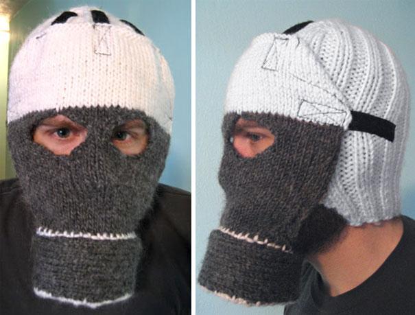 Gorro con la forma de una máscara de gas