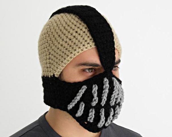 Gorro con la forma de la máscara de Bane