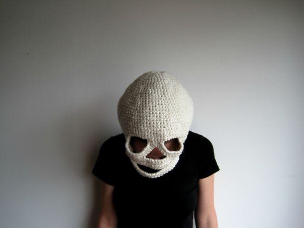 Gorro con el diseño de un cráneo