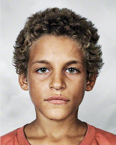Alex de 9 años en Brasil fotografía por James