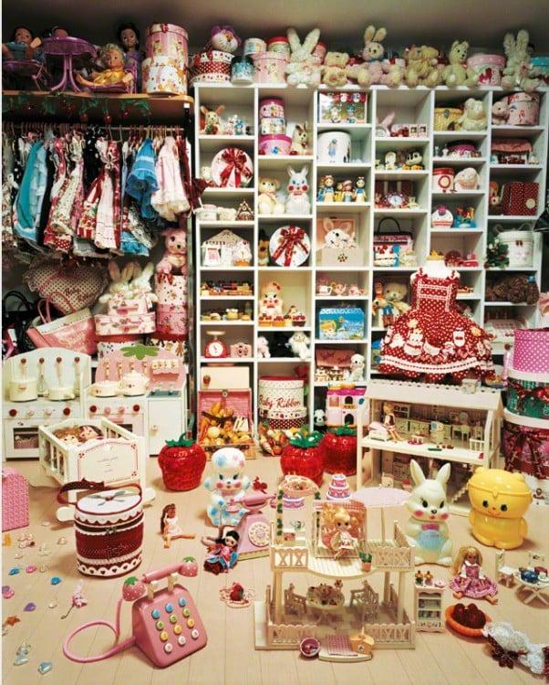 Habitación de Kaya con demasiados juguetes
